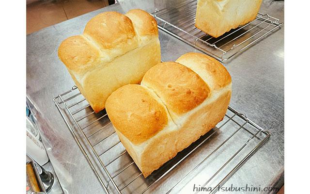 焼いた食パン